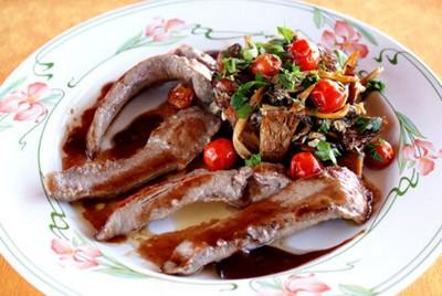 recette - aiguillettes de canard aux chanterelles sauce au porto