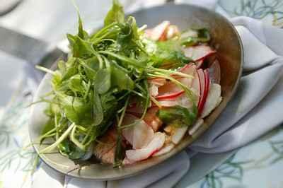 recette - langoustines en croquant de légumes, radis, navet, riquette déglacés a