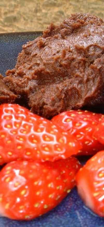 recette - quenelles de chocolat et fraises