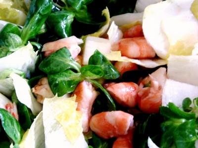 recette - salade & crevettes au vinaigre d'hibiscus