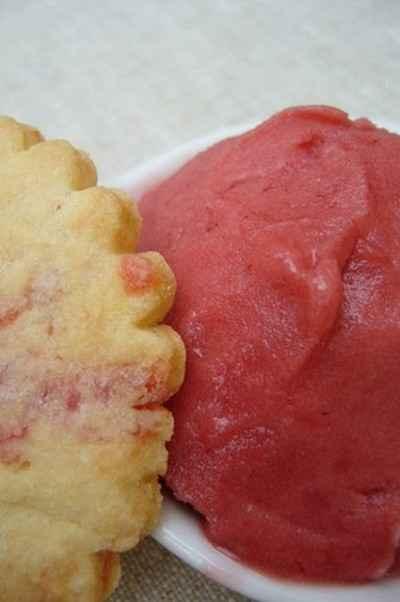 recette - sorbet aux fraises des bois et sablés aux fraises