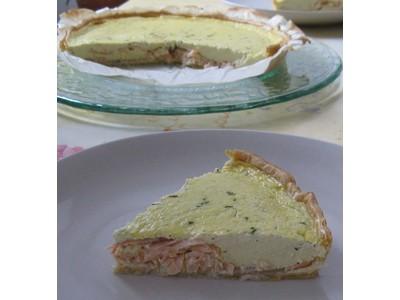 recette - tarte au saumon fumé et fromage à l'ail et aux fines herbes