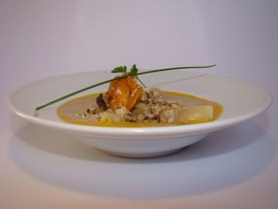 recette - raviole de caille, girolles et herbes fraiches, velouté de girolles, é
