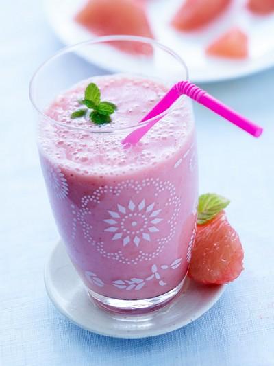 recette - smoothie pamplemousse de floride, banane, gingembre et fraise
