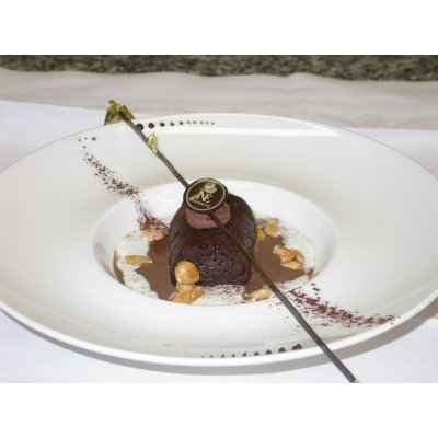 recette - baba chocolat au rhum brun, velouté de chocolat et crème mousseuse
