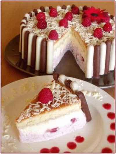 Recette charlotte au chocolat blanc et aux fraises facile et rapide - Recette charlotte chocolat facile ...