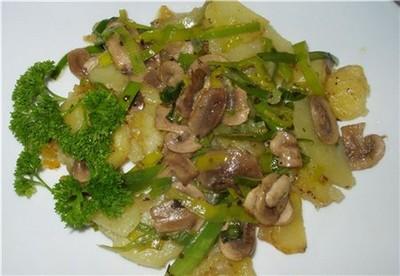 recette - la pomme de terre avec les champignons