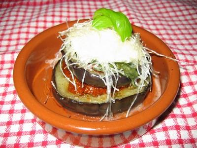 recette - millefeuille aubergine tomate confite et croustillant mozzarella