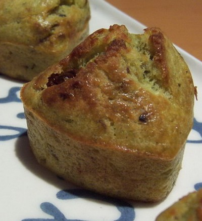 recette - muffins pesto, tomates séchées