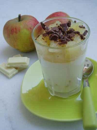 recette - panna cotta au chocolat blanc et aux pommes