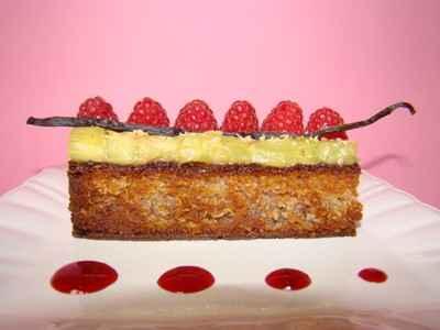recette - tartelette framboises et rhubarbe vanillée, sur une crème de coco
