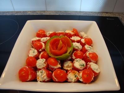 recette - tomates cerises farcies à la ciboulette et à l'échalote