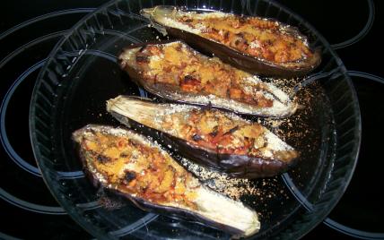 recette - aubergines farcies à la tomate et au jambon