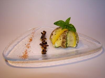 recette - dôme de courgettes verte et jaune, cabillaud, petits poivrons et pimen