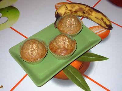 recette - muffins à la banane, aux noix et aux raisins