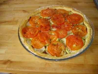 recette - tarte au chèvre, tomates et courgettes