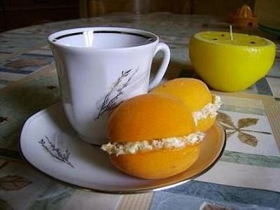 recette - abricot aux macarons