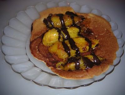 recette - blinis à la banane et mangue poêlée