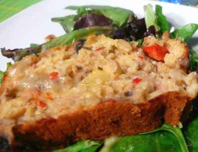 recette - cake au pesto de noix, thon et légumes d'été