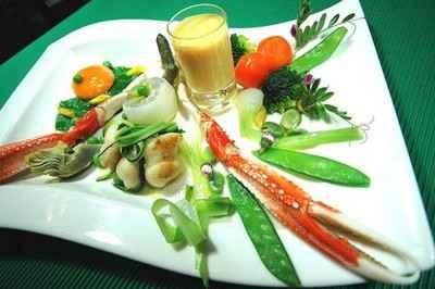 recette - légumes primeurs, huile de carapaces, langoustine royale, joues de rai