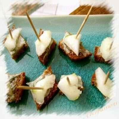 recette - bouchées de pain d' épices roquefort et poires