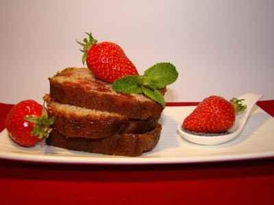 recette - cake aux deux fraises, graines de pavot  et sirop de coquelicot
