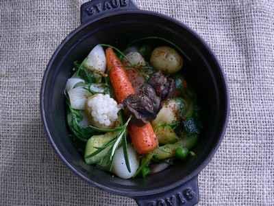 recette - cocotte de légumes de printemps, brochette et caviar d'escargot