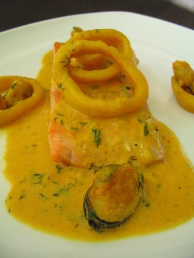 Recette filet de saumon sauce aux fruits de mer facile et rapide - Sauce pour saumon grille barbecue ...