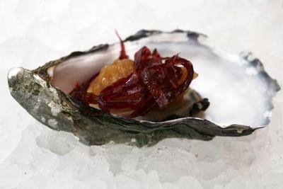 recette - huîtres pochées à la carbonade et boeuf séché