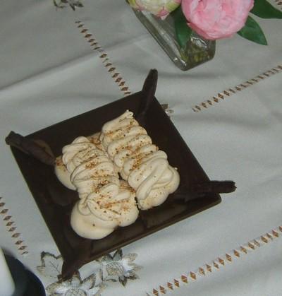 recette - meringues ambrées au miel et pralin