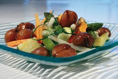 recette - wok de légumes d'automne aux châtaignes périgord limousin grillées