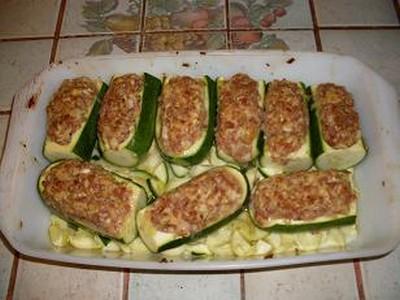 recette - courgettes farcies � la chair � saucisse