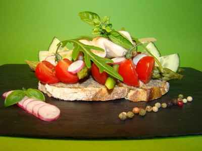 recette - tartine d'anchoïade, petits légumes et poulet mariné citron basilic