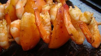 recette - brochettes crevettes/abricots tandoori