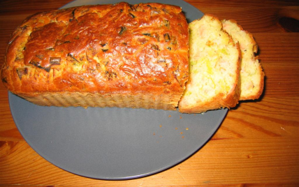 recette cake au saumon et aux poireaux facile et rapide. Black Bedroom Furniture Sets. Home Design Ideas