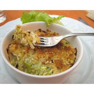 recette - crumble de poireaux au fromages, lard et noix