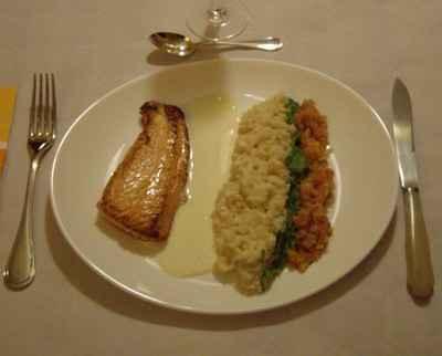 recette - dos de saumon à l'unilatérale, risotto fondant, julienne de poireaux e