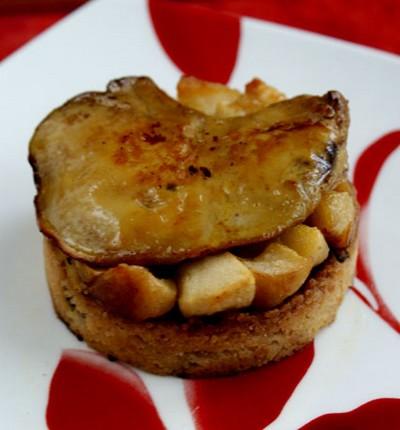 recette - foie gras sur crumble pain d'épices et lit de pommes