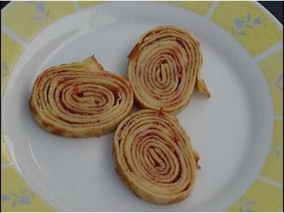 recette - crêpes roulées a la confiture
