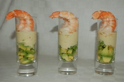 recette - verrines d'avocat, crème de gingembre et crevettes